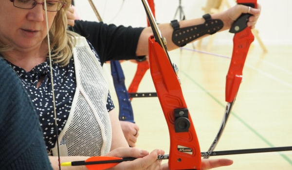 Taking first steps in learning archery